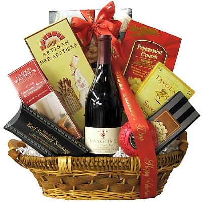 Pinot Noir Romance Valentine's Day Wine Gift Basket