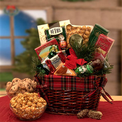 An Old Fashioned Christmas Gift Basket